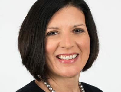 Lucinda Baier headshot