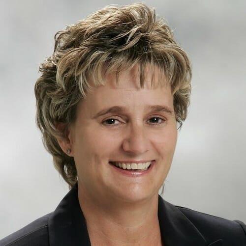 Lisa Newcomb headshot