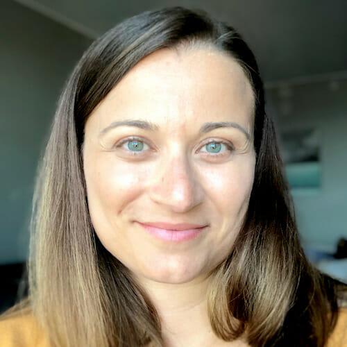 Annette Mazevski headshot